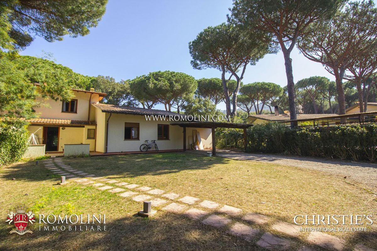 Additional photo for property listing at Tuscany - MODERN VILLA FOR SALE BY THE SEA, PUNTA ALA Punta Ala, Italie