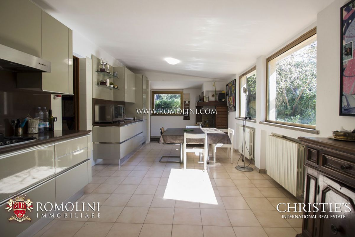 Additional photo for property listing at Tuscany - MODERN VILLA FOR SALE BY THE SEA, PUNTA ALA Punta Ala, Italia