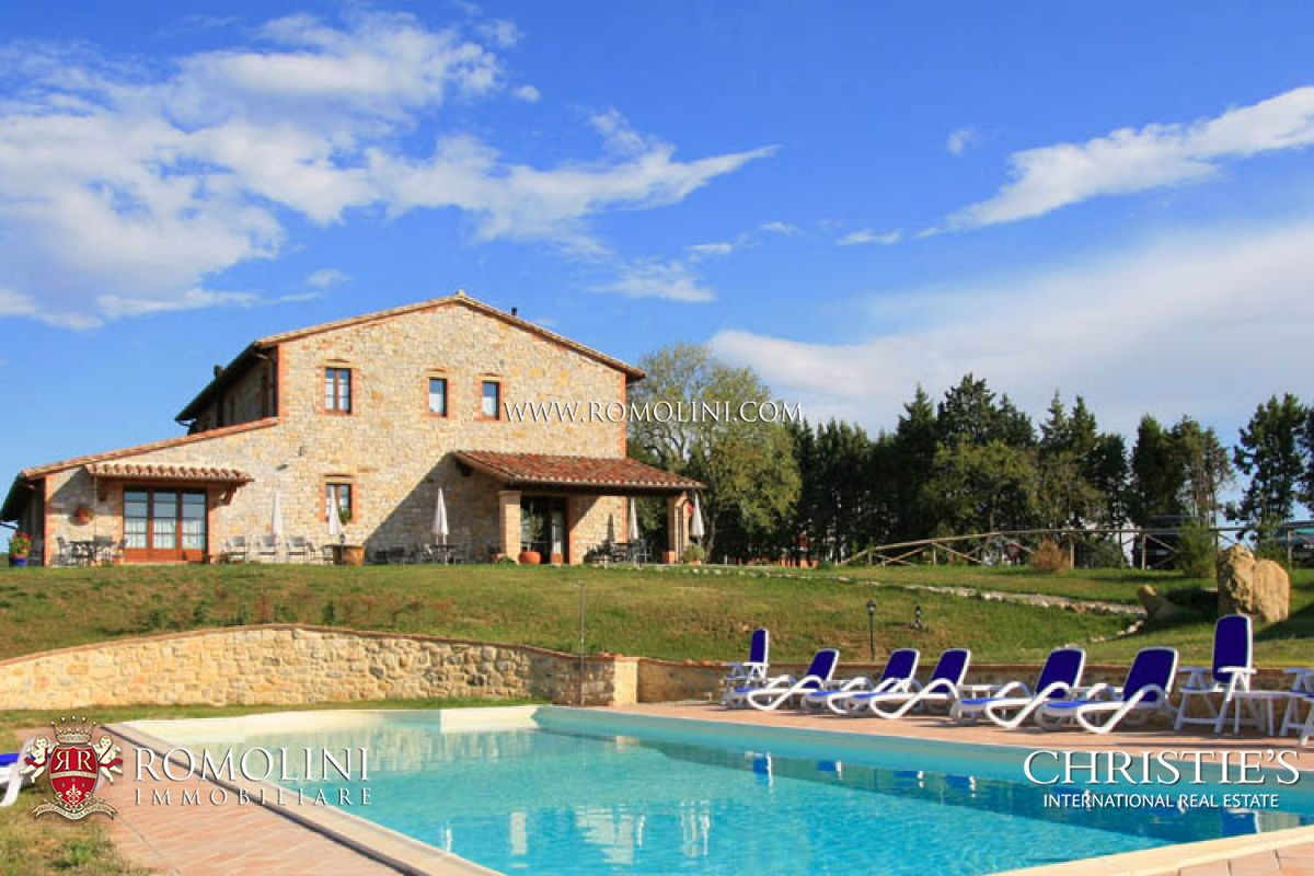 葡萄园 为 销售 在 Umbria - ORGANIC ESTATE AGRITURISMO FOR SALE IN UMBRIA Montegabbione, 意大利