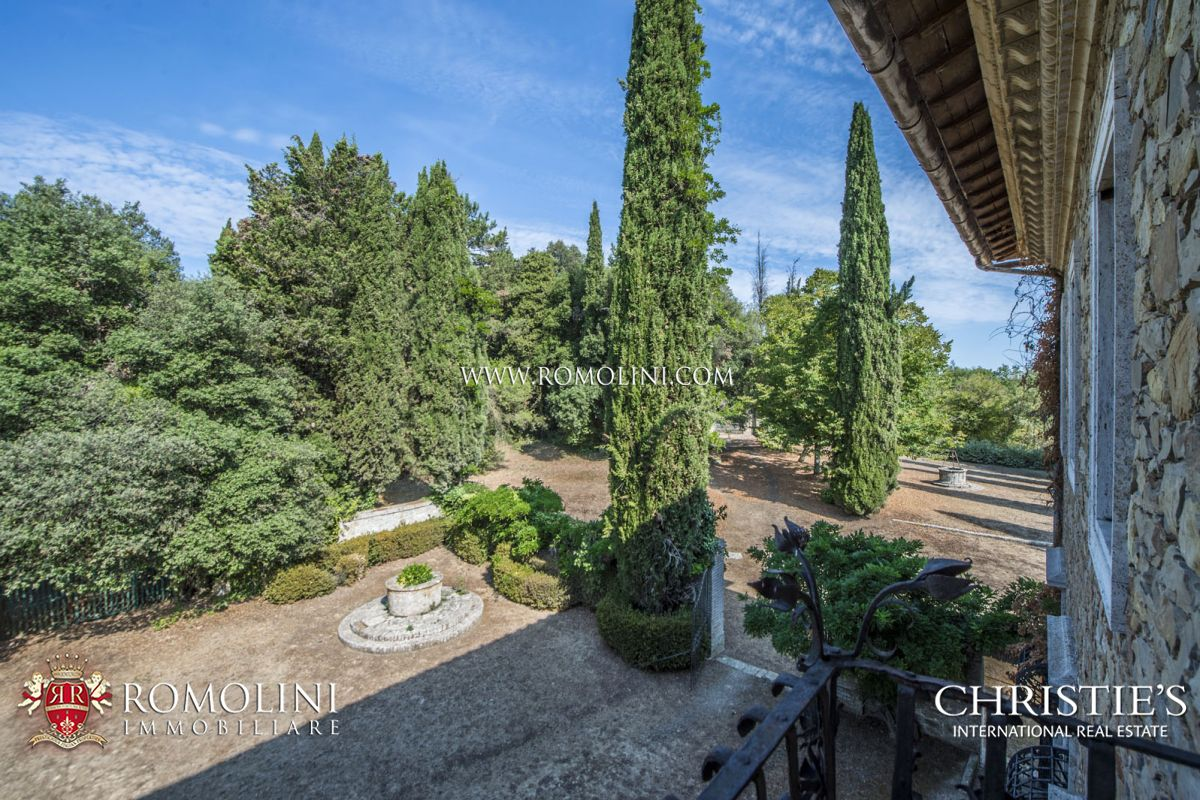 Additional photo for property listing at Tuscany - SIENA: HISTORIC ESTATE WITH MANOR HOUSE, CHURCH AND LAND FOR SALE Siena, Italy