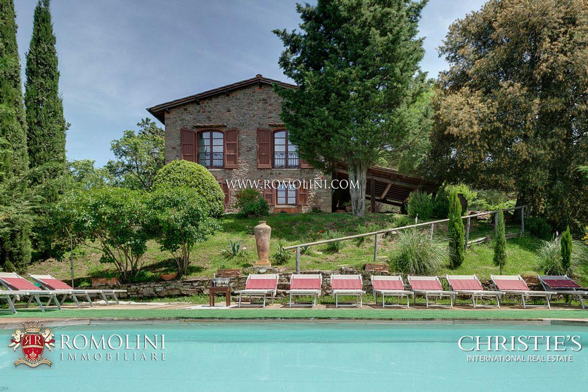 Виллы / Таунхаусы для того Продажа на Tuscany - GREVE IN CHIANTI: HISTORICAL FARMHOUSE WITH POOL AND PANORAMIC VIEW Greve In Chianti, Италия