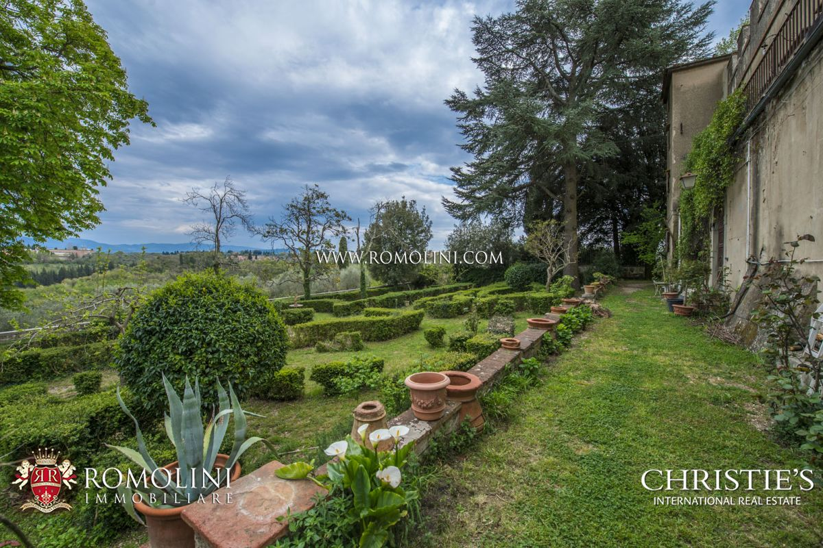 Additional photo for property listing at Tuscany - LUXURY VILLA WITH MEDIEVAL HAMLET FOR SALE, FLORENCE, TUSCANY 佛罗伦萨, 意大利