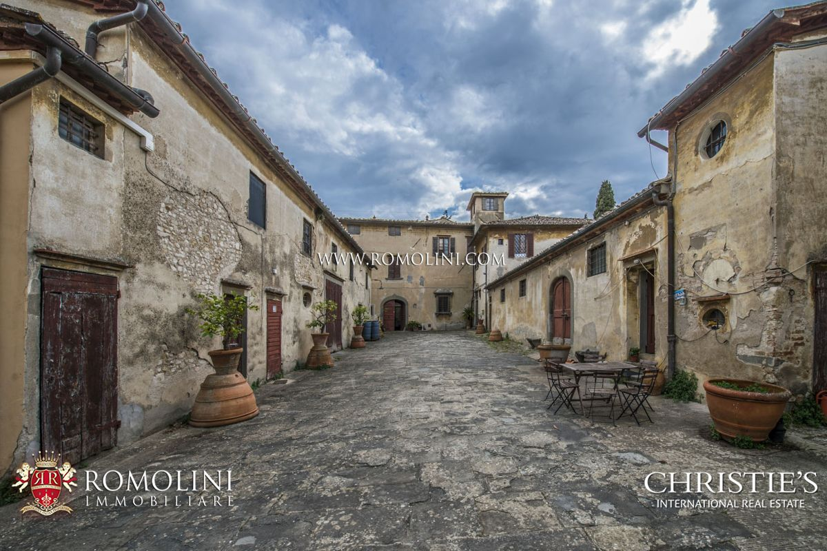 Additional photo for property listing at Tuscany - LUXURY VILLA WITH MEDIEVAL HAMLET FOR SALE, FLORENCE, TUSCANY Firenze, Italia