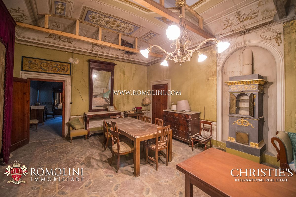 Additional photo for property listing at Tuscany - LUXURY VILLA WITH MEDIEVAL HAMLET FOR SALE, FLORENCE, TUSCANY Firenze, Italya