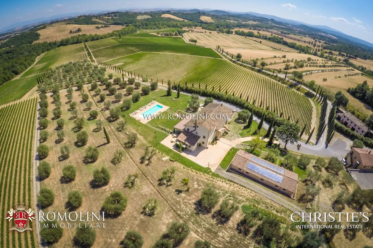 葡萄园 为 销售 在 Tuscany - BEAUTIFUL WINE RESORT FOR SALE IN TUSCANY, SIENA 锡耶纳, 意大利
