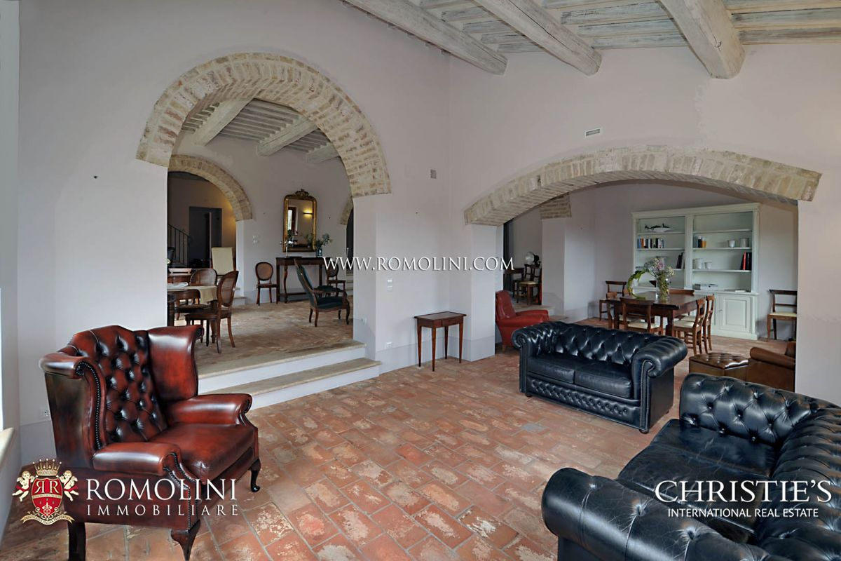 Additional photo for property listing at Tuscany - BEAUTIFUL WINE RESORT FOR SALE IN TUSCANY, SIENA Siena, Италия