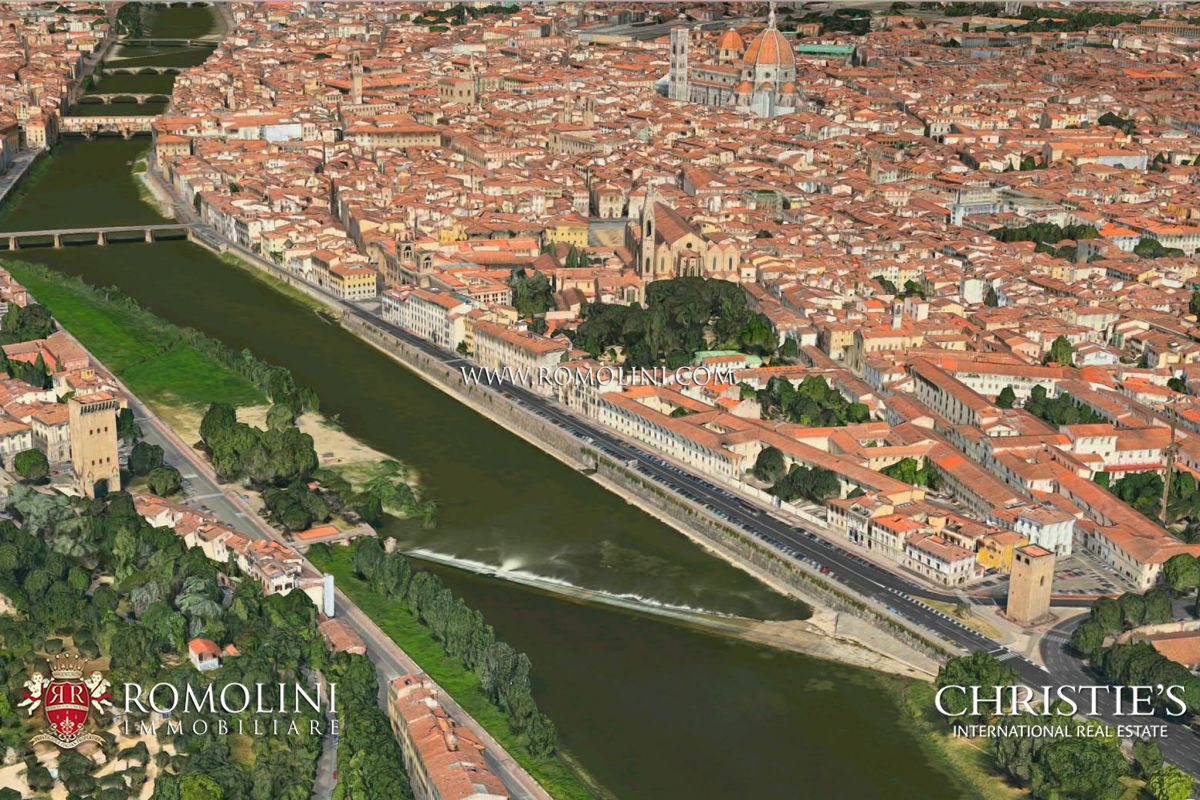 Tuscany - PALAZZO FOR SALE ON THE LUNGARNO WITH 13 APARTMENTS AND PRIVATE PARKING Firenze, Italy