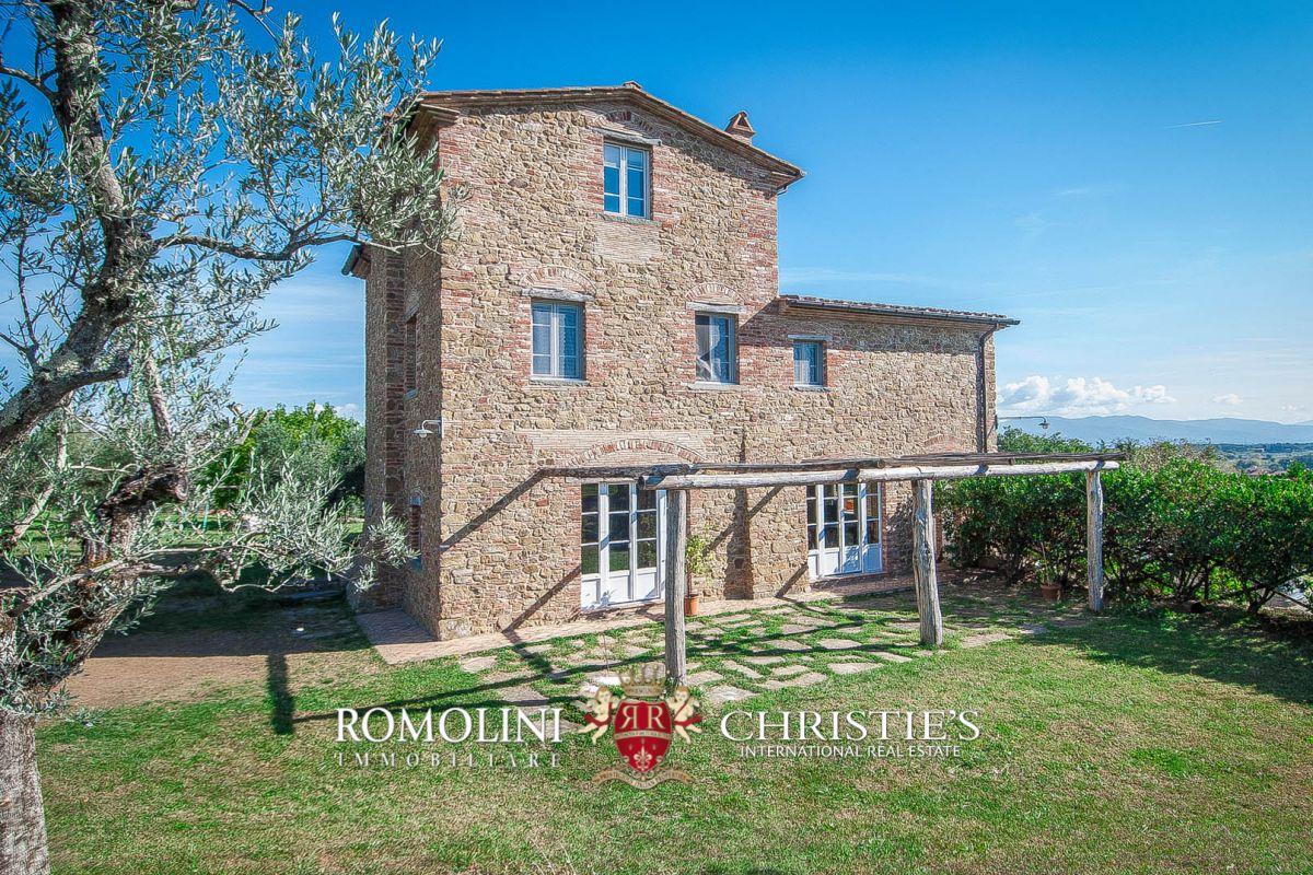 Villas / Townhouses için Satış at Tuscany - TUSCANY: ECO-FRIENDLY FARMHOUSE WITH GARDEN AND OLIVE GROVE Monte San Savino, Italya