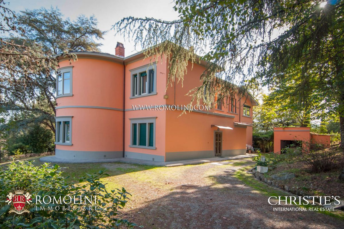 Villas / Moradias em banda para Venda às Tuscany - VALDARNO: BEAUTIFUL LIBERTY VILLA WITH GARDEN AND GARAGE Pergine Valdarno, Itália