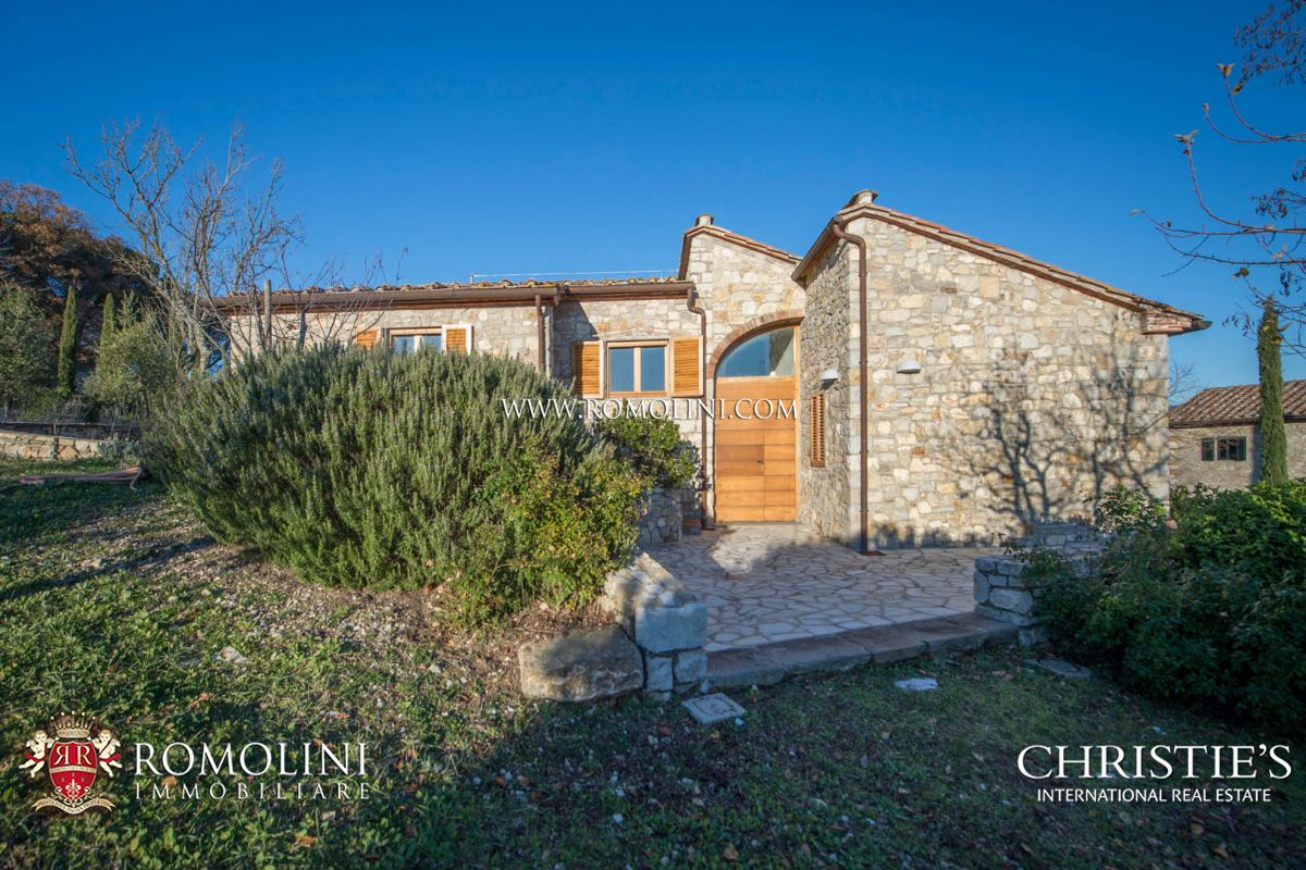 Additional photo for property listing at Tuscany - TYPICAL TUSCAN HAMLET WITH CELLAR AND VINEYARDS FOR SALE, CHIANTI CLASSICO Siena, Italy
