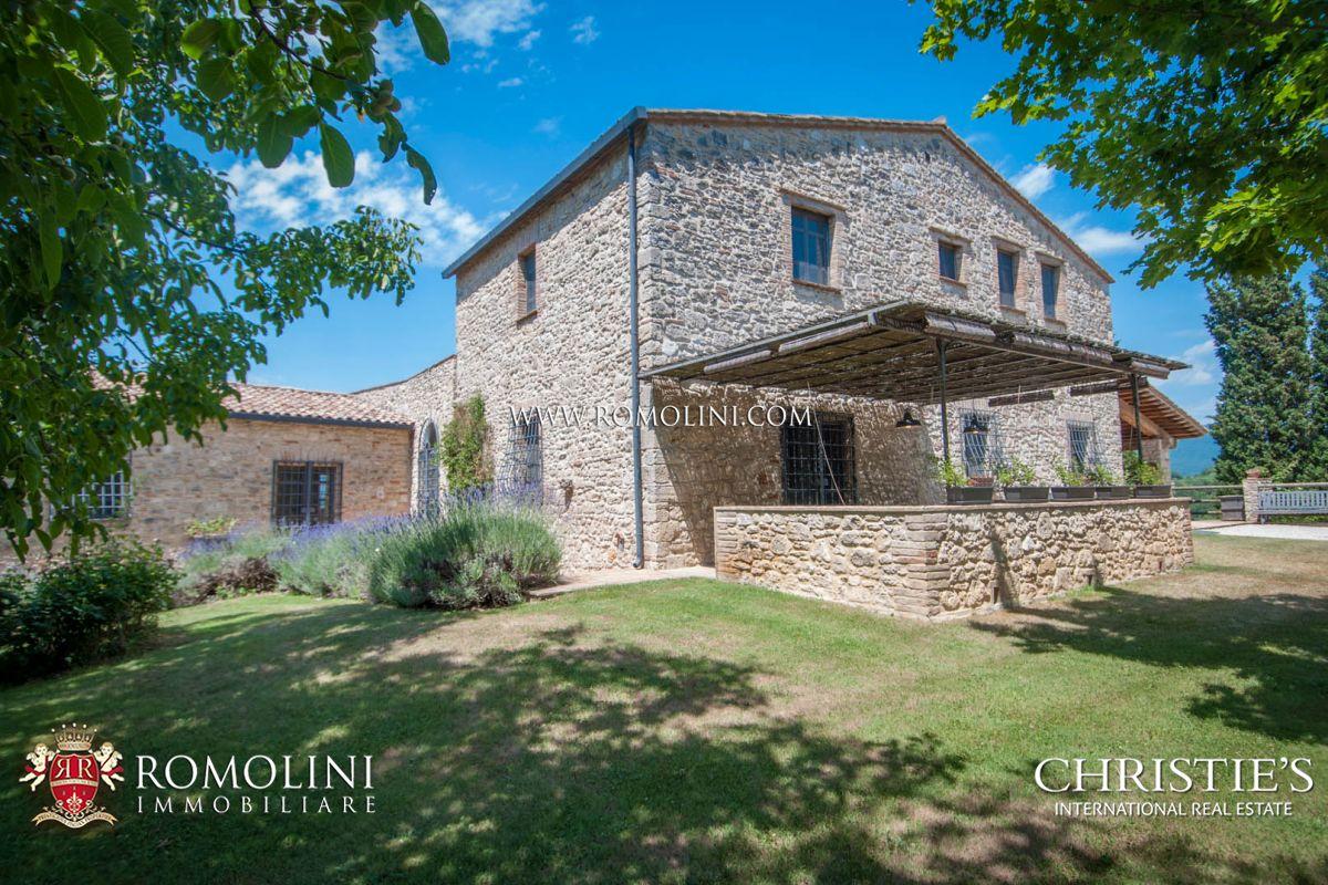 Ferme / Ranch / Plantation pour l Vente à Umbria - UMBRIA: 14TH CENTURY HISTORICAL FARMHOUSE, ACQUASPARTA Acquasparta, Italie