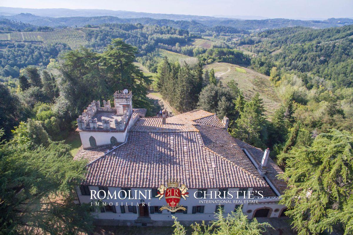 Viñedo por un Venta en Tuscany - CHIANTI: HISTORICAL WINE ESTATE WITH VILLA AND VINEYARD, FLORENCE Castelfiorentino, Italia