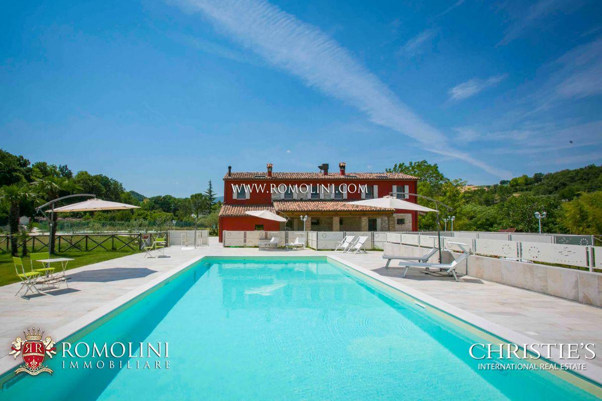 Casa Unifamiliar por un Venta en Marche - COUNTRYHOUSE FOR SALE IN FANO, MARCHE Fano, Italia