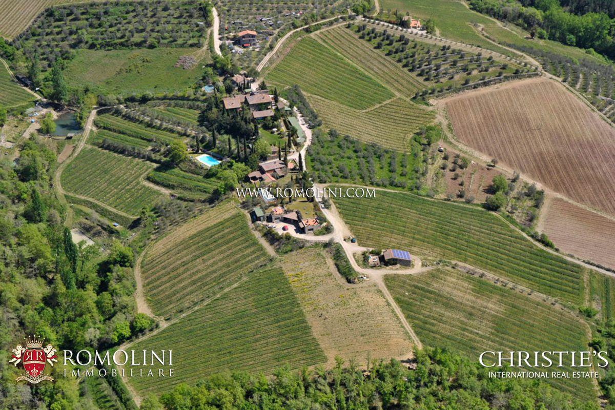 Viñedo por un Venta en Tuscany - CHIANTI CLASSICO WINE RESORT FOR SALE, GAIOLE IN CHIANTI Gaiole In Chianti, Italia