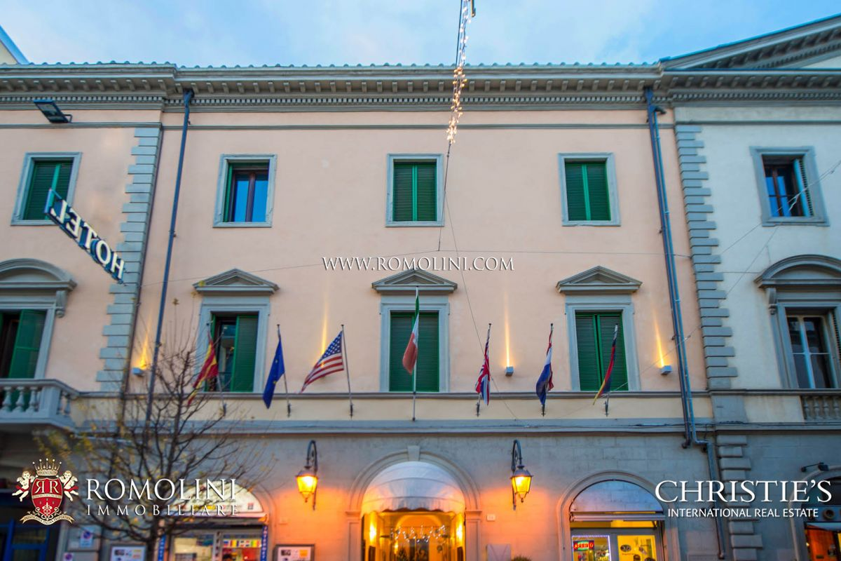 Tuscany - HOTEL FOR SALE, BUSINESS, INVESTMENT OPPORTUNITY IN TUSCANY Arezzo, Italy