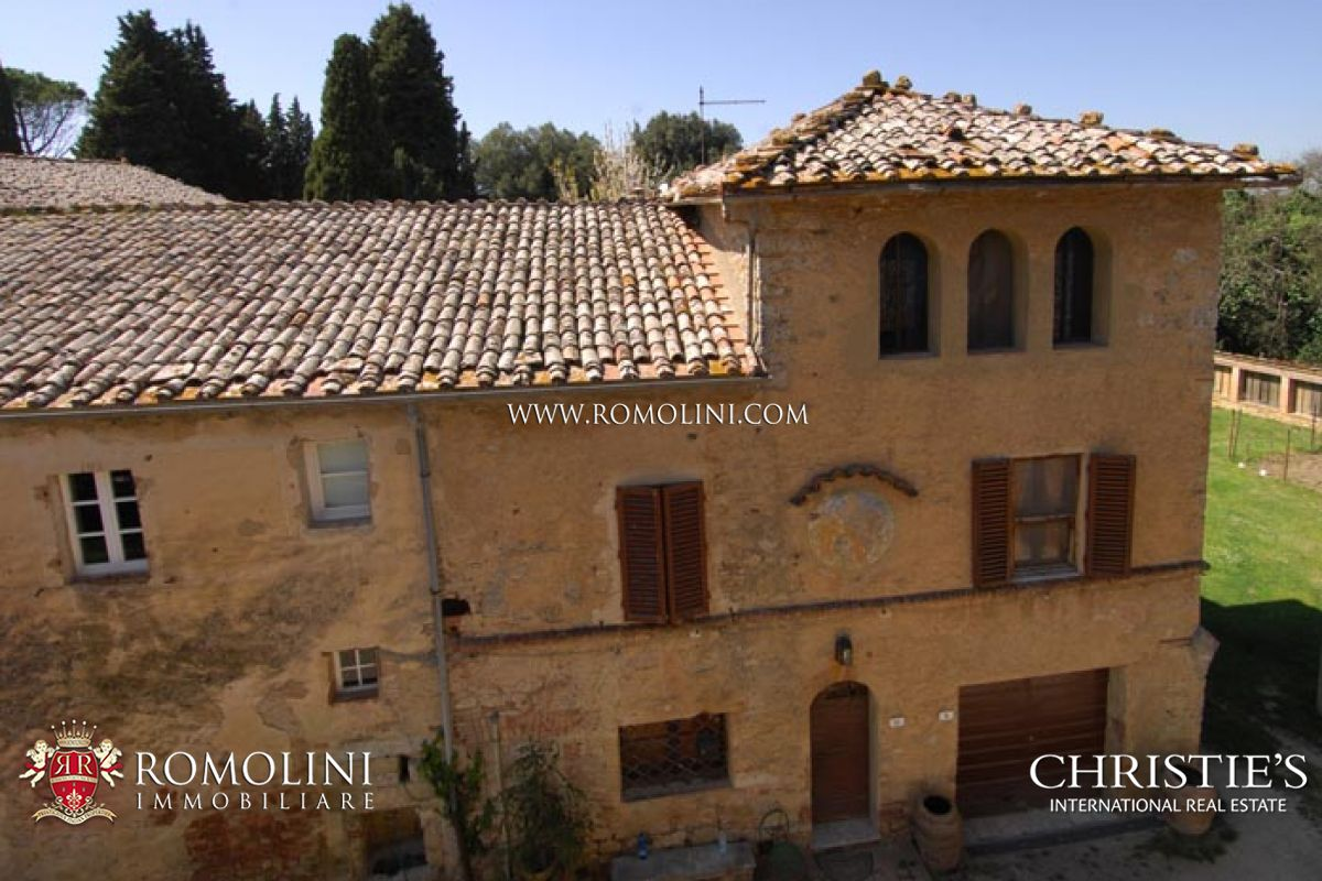 Additional photo for property listing at Tuscany - FARM WINE ESTATE FOR SALE IN SIENA, VINEYARDS, OLIVE GROVE Siena, Ιταλια