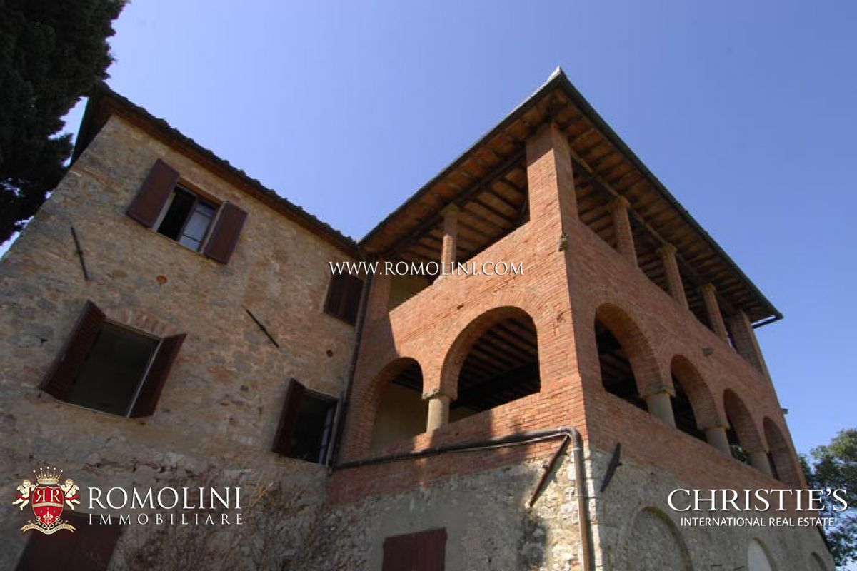 Additional photo for property listing at Tuscany - FARM WINE ESTATE FOR SALE IN SIENA, VINEYARDS, OLIVE GROVE Siena, Italya