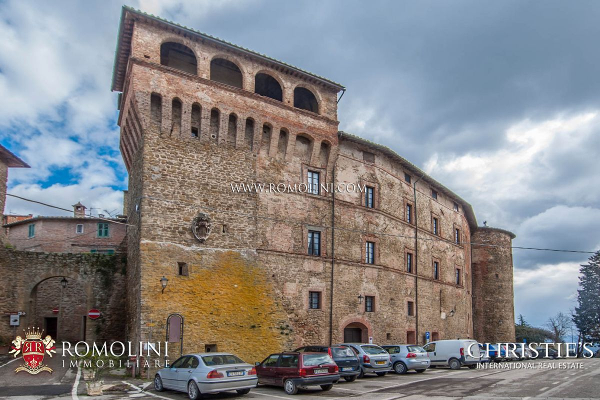 Apartamentos para Venda às Umbria - MEDIEVAL CASTLE FOR SALE IN UMBRIA, TRASIMENO LAKE Panicale, Itália