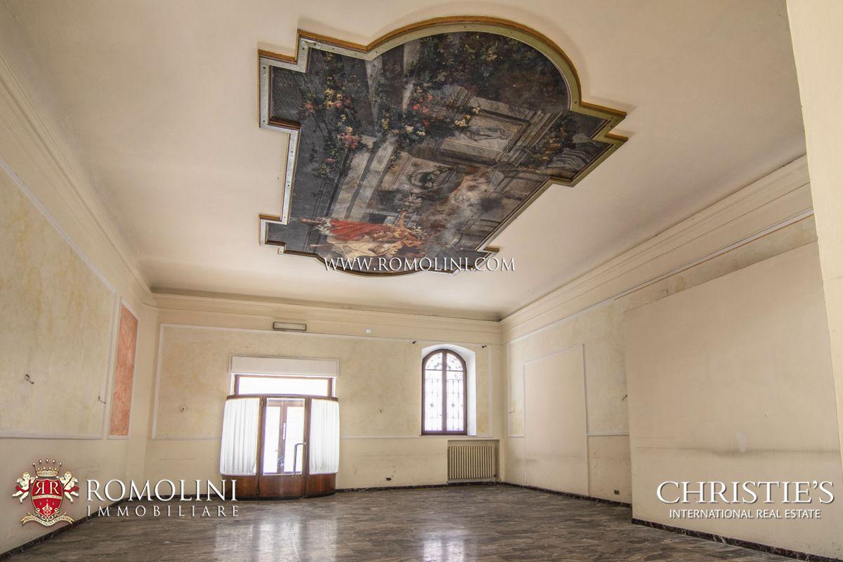 Al Giardino Ancona hotel con 71 camere in vendita nel centro storico di ancona