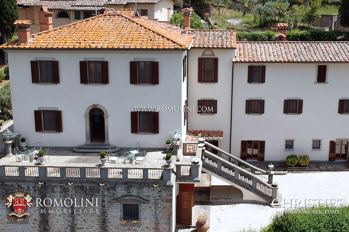 Agenzie Immobiliari Arezzo tuscany - manor villa with view over the historic centre for sale, arezzo:  a luxury villa/townhouse for sale in arezzo, arezzo property id:1753  