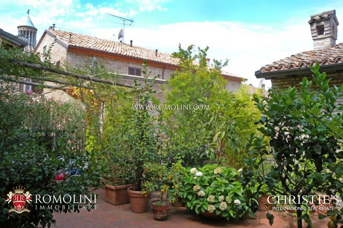 Additional photo for property listing at Marche - APARTMENT IN PRESTIGIOUS BUILDING WITH TERRACE FANO Fano, Italia