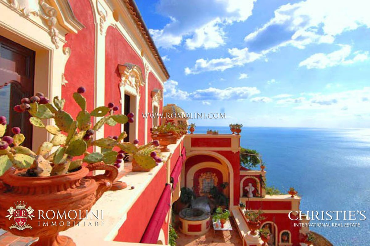 Apartments / Residences for Rent at Campania - AMALFI COAST: POSITANO LUXURY VILLA FOR RENT. Positano, Italy