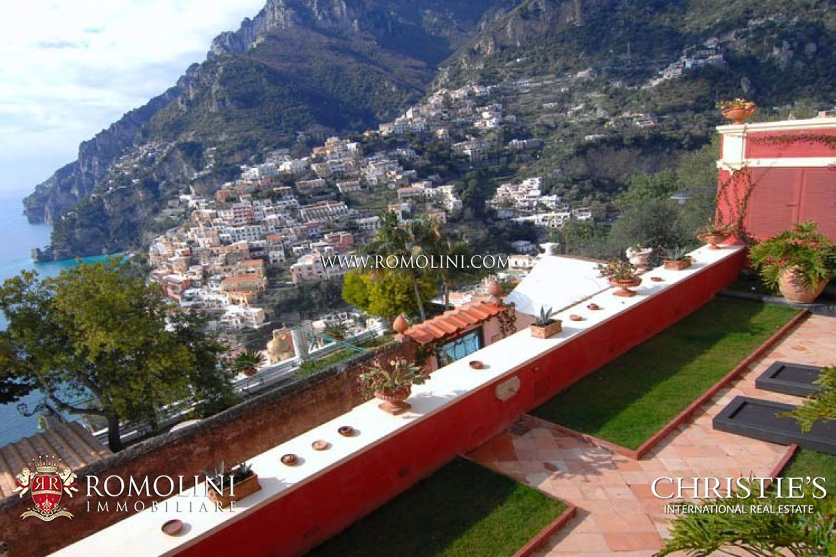 Additional photo for property listing at Campania - AMALFI COAST: POSITANO LUXURY VILLA FOR RENT. Positano, Ý