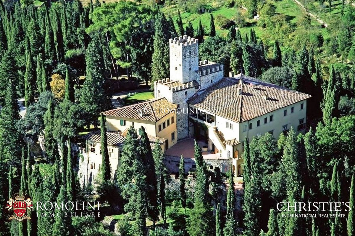 Mülk için Satış at Tuscany - CASTLE FOR SALE IN TUSCANY, FLORENCE . Firenze, Italya
