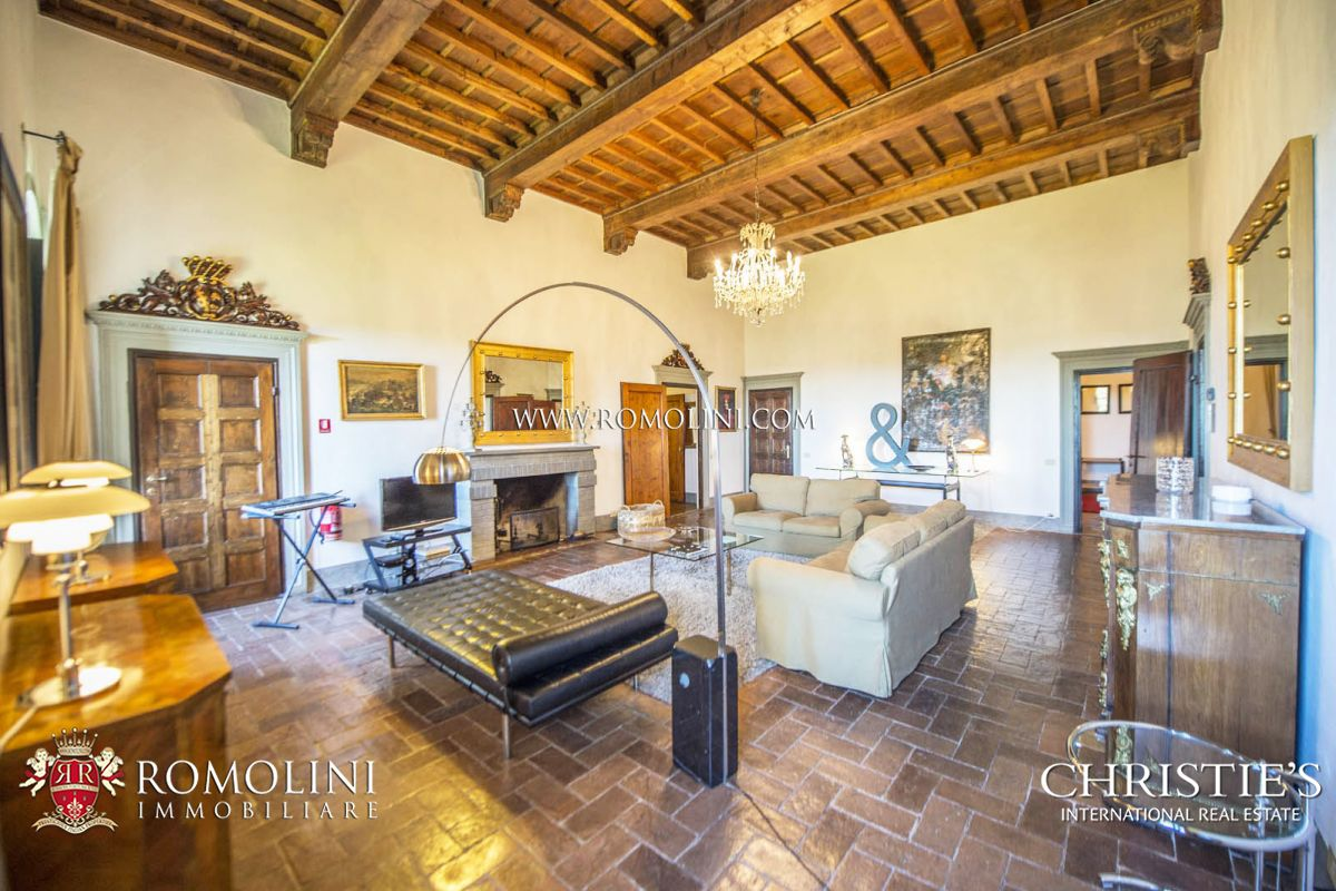 Additional photo for property listing at Tuscany - WINE ESTATE WITH LUXURY VILLA IN THE HEART OF CHIANTI, TUSCANY Gaiole In Chianti, Италия