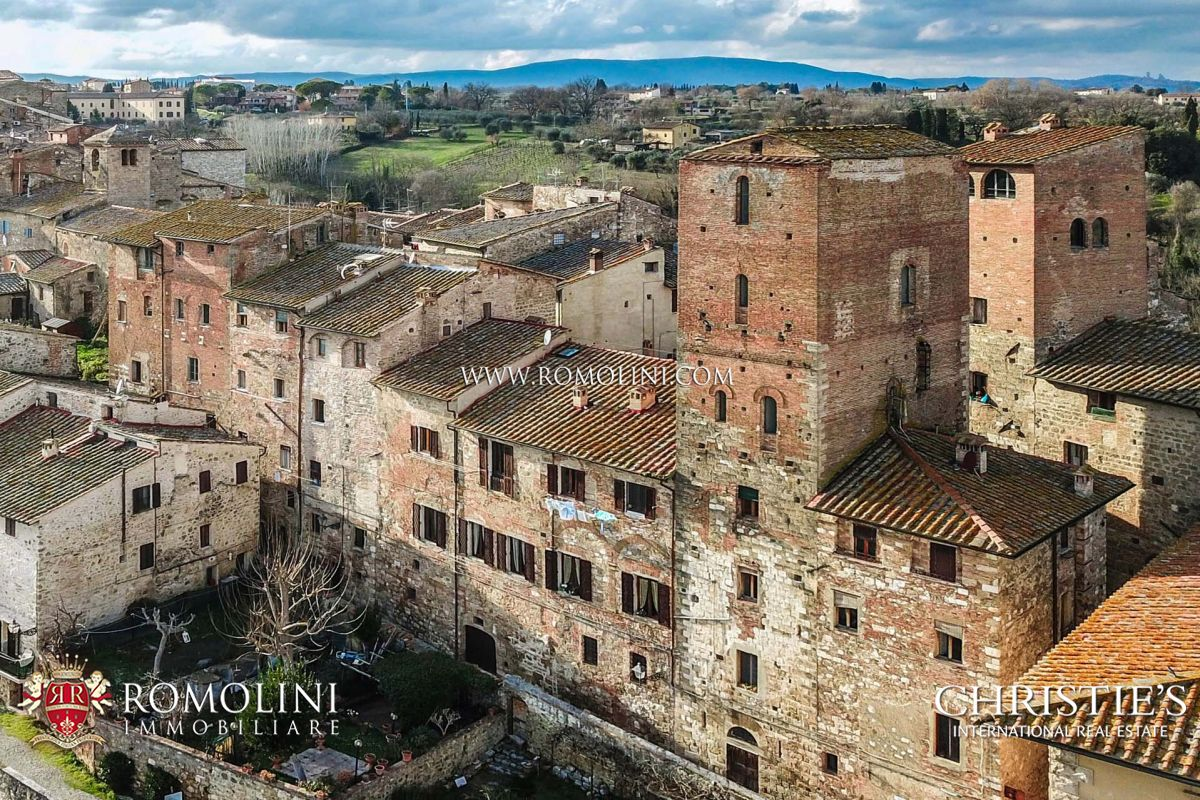 Villas Near Siena Italy tuscany - arnolfo di cambio's tower for sale in siena: a luxury  villa/townhouse for sale in , siena property id:1931 | christie's  international real