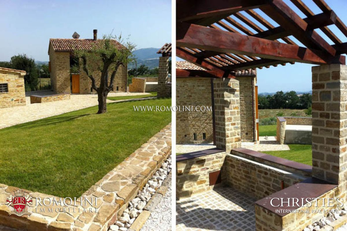 Villas / Townhouses için Satış at Marche - FARMHOUSE FOR SALE APIRO MACERATA MARCHE Macerata, Italya