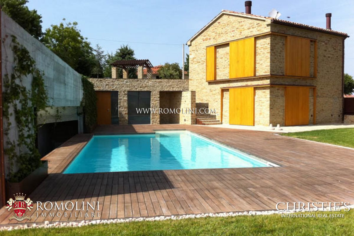 Additional photo for property listing at Marche - FARMHOUSE FOR SALE APIRO MACERATA MARCHE Macerata, Italya
