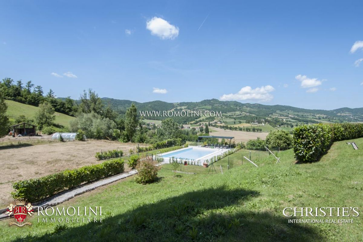 Additional photo for property listing at Umbria - AGRITURISMO FOR SALE IN UMBERTIDE UMBRIA Umbertide, Itália