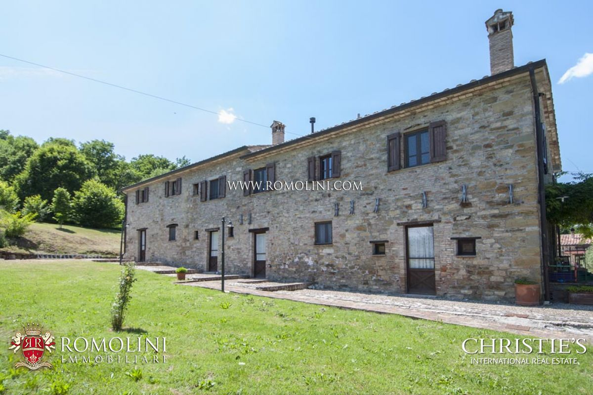 Additional photo for property listing at Umbria - AGRITURISMO FOR SALE IN UMBERTIDE UMBRIA Umbertide, Italia