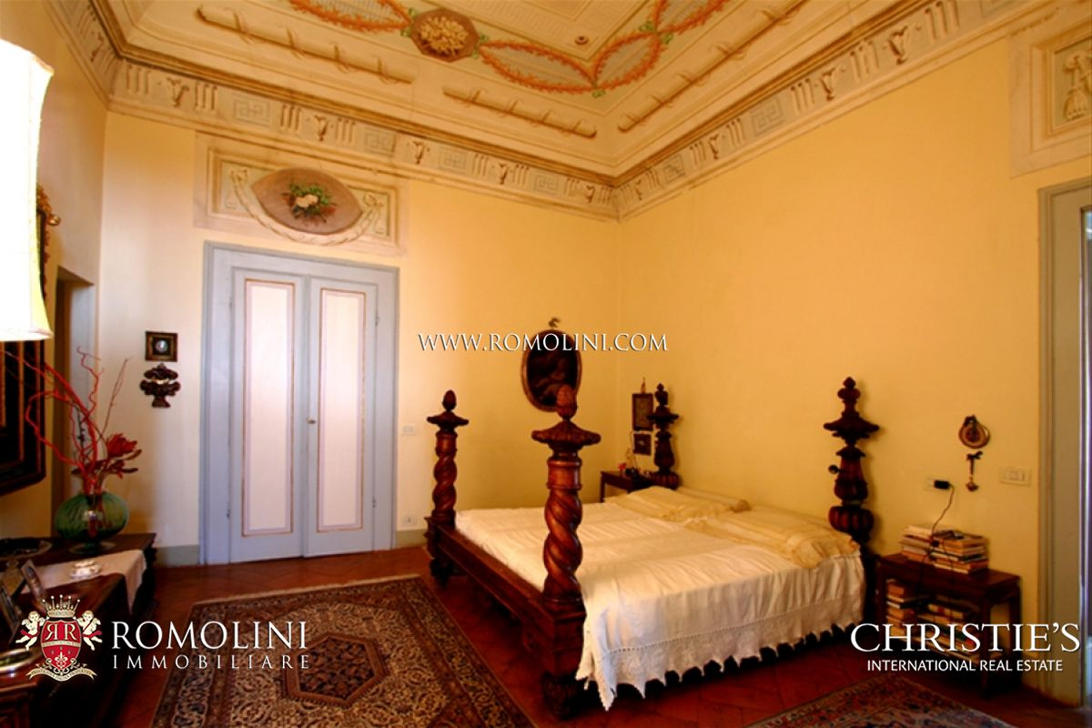 Additional photo for property listing at LUXURY VILLA FOR SALE NEAR PISA TUSCANY Arezzo Arezzo, Arezzo,52010 Ý