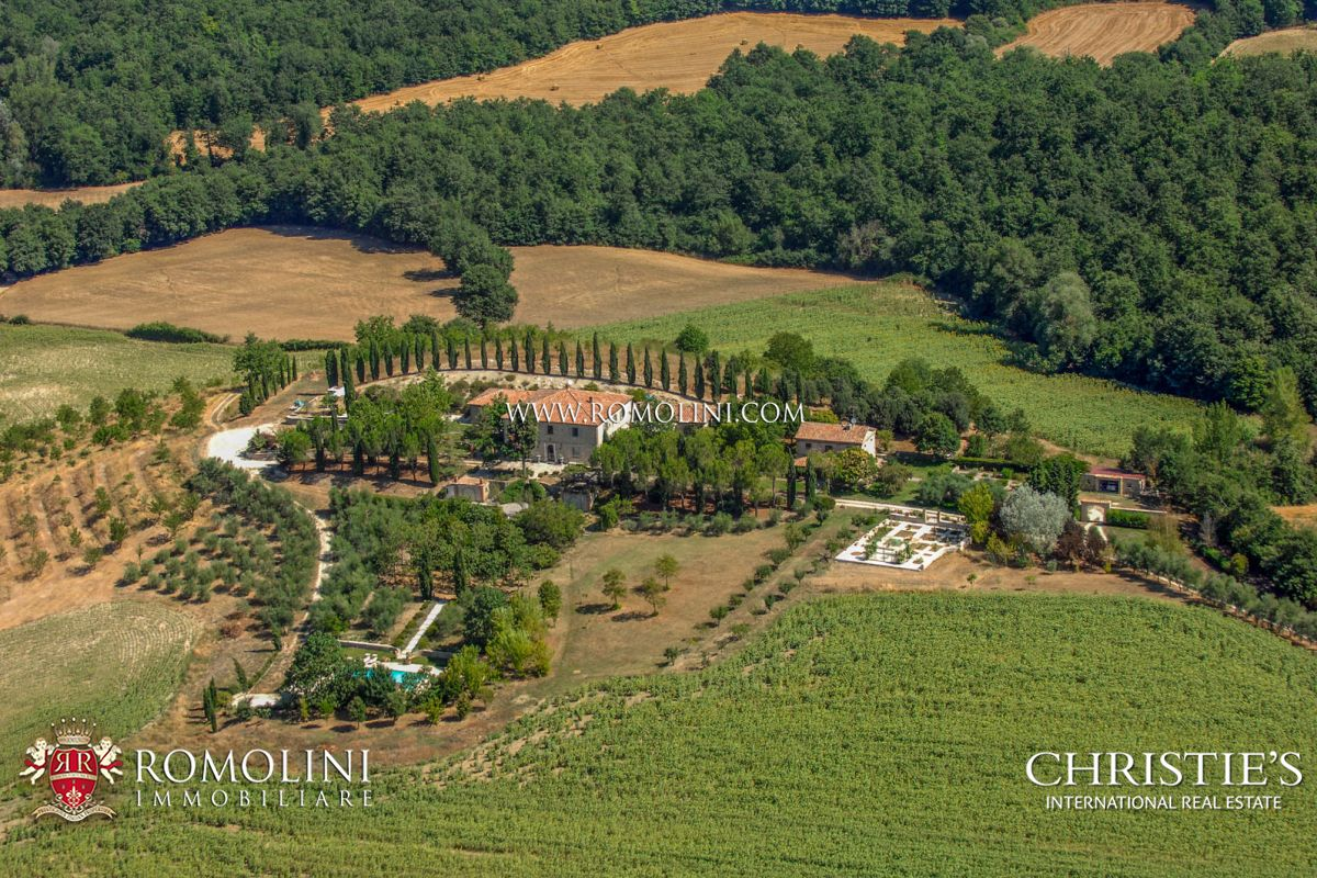 Villas / Townhouses için Satış at Umbria - LUXURY MANOR HOUSE FOR SALE IN UMBRIA Todi, Italya