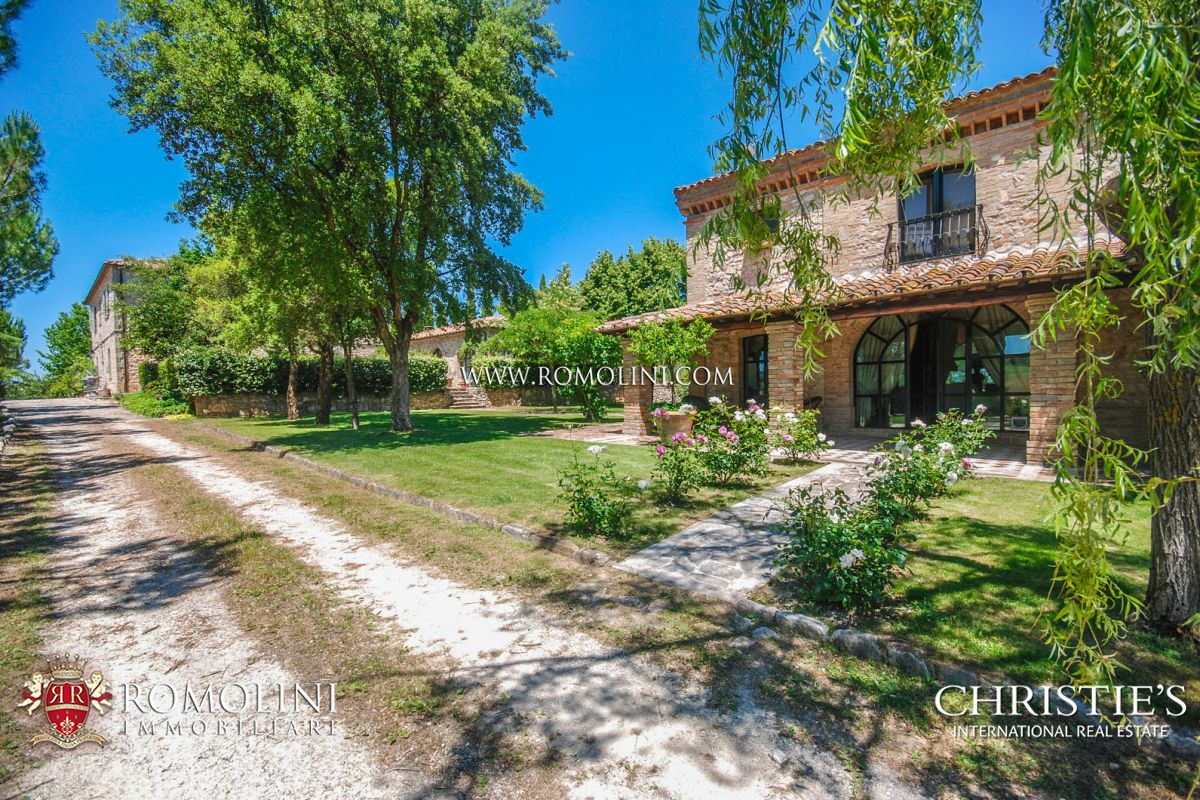 Additional photo for property listing at Umbria - LUXURY MANOR HOUSE FOR SALE IN UMBRIA Todi, Italya