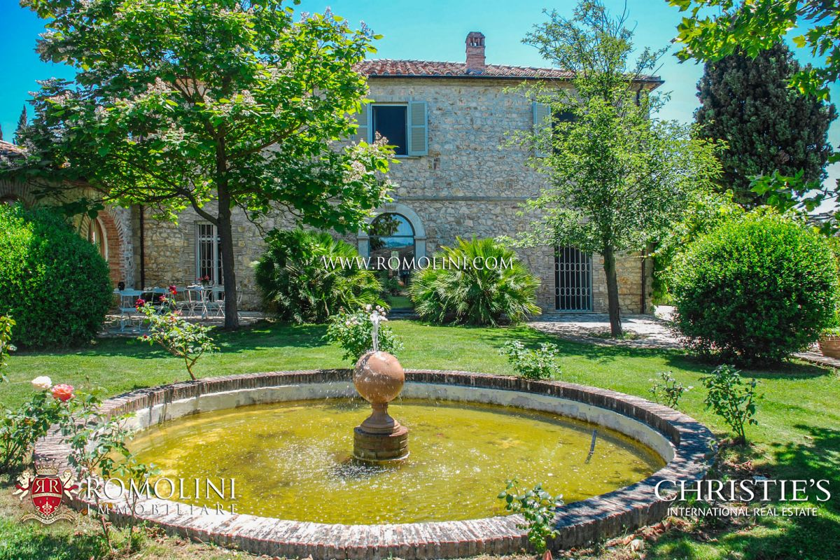 Additional photo for property listing at Umbria - LUXURY MANOR HOUSE FOR SALE IN UMBRIA Todi, Italia