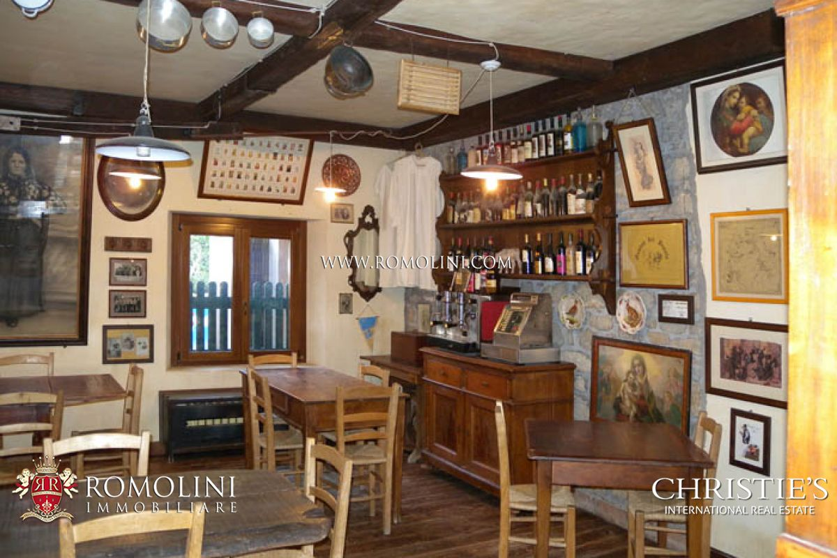 Additional photo for property listing at Marche - MARCHE PESARO URBINO RELAIS COUNTRY HOUSE RESTAURANT FOR SALE Pesaro, Italia