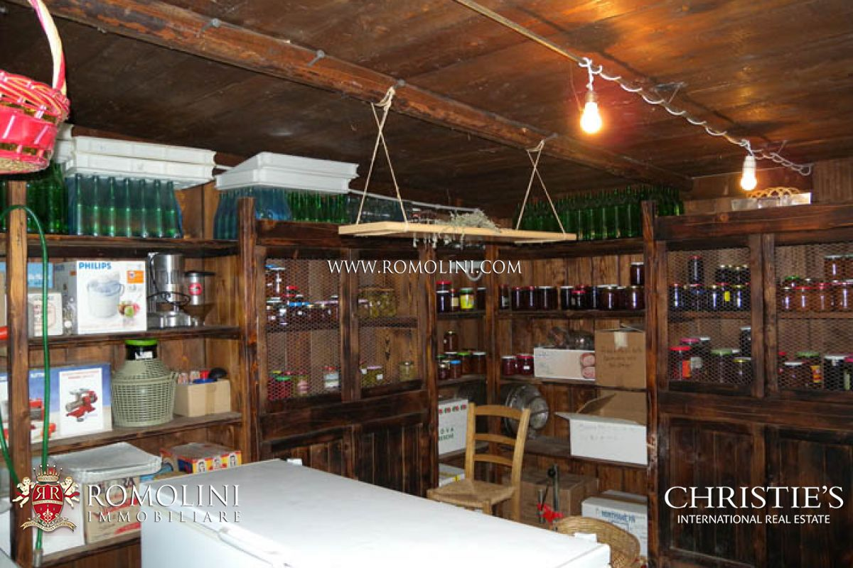 Additional photo for property listing at Marche - MARCHE PESARO URBINO RELAIS COUNTRY HOUSE RESTAURANT FOR SALE Pesaro, Ý