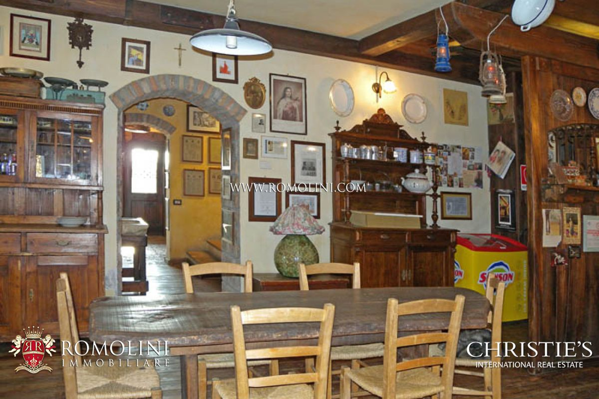 Additional photo for property listing at Marche - MARCHE PESARO URBINO RELAIS COUNTRY HOUSE RESTAURANT FOR SALE Pesaro, Italie