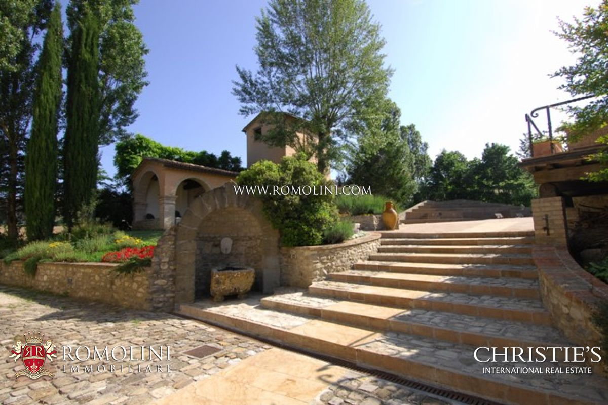 Additional photo for property listing at Umbria - PRESTIGIOUS PROPERTY FOR SALE MONTONE UMBRIA Montone, Italia