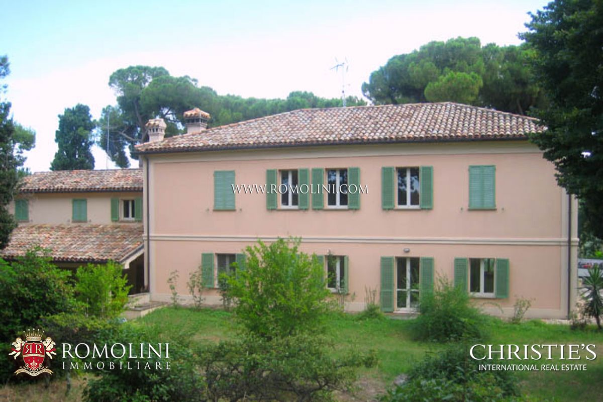 Additional photo for property listing at Marche - FANO 5 KM FROM THE SEA VILLA ON THE SEA FOR SALE Fano, Ý