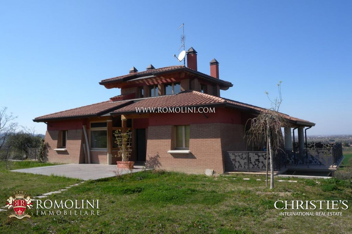 Additional photo for property listing at Emilia-Romagna - VILLA WITH FARM ESTATE FOR SALE IN RIMINI Rimini, Italia