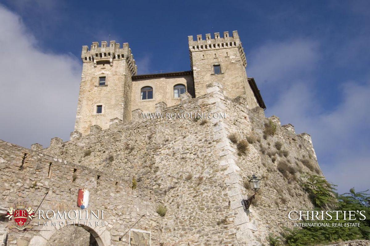 Castello in vendita ad un ora da roma for Affitto castello roma