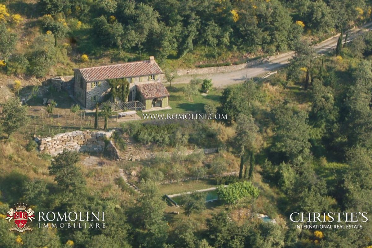 단독 가정 주택 용 매매 에 Tuscany - OLD STONE FARMHOUSE FOR SALE IN CORTONA, NICCONE VALLEY Cortona, 이탈리아