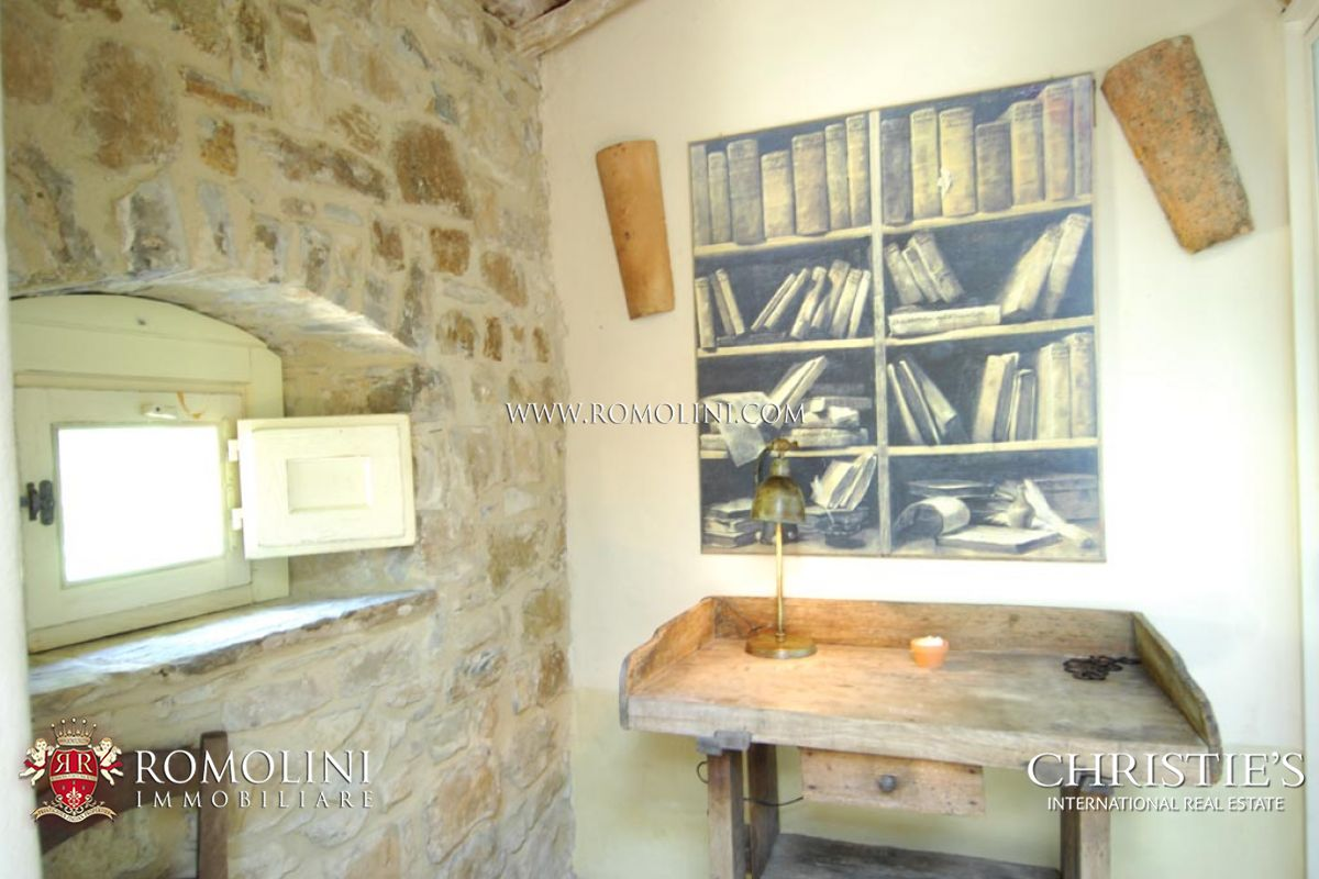 Additional photo for property listing at Tuscany - OLD STONE FARMHOUSE FOR SALE IN CORTONA, NICCONE VALLEY 科尔托纳, 意大利
