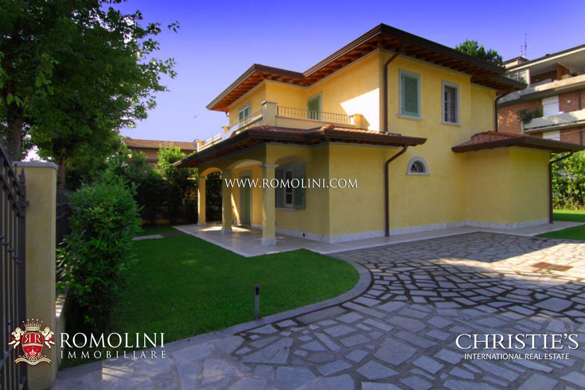 Villas / Townhouses for Sale at Tuscany - ELEGANT VILLA FOR SALE FORTE DEI MARMI TUSCANY Forte Dei Marmi, Italy