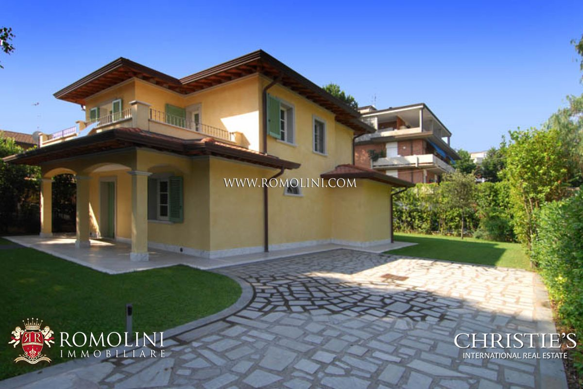 Additional photo for property listing at Tuscany - ELEGANT VILLA FOR SALE FORTE DEI MARMI TUSCANY Forte Dei Marmi, Itália