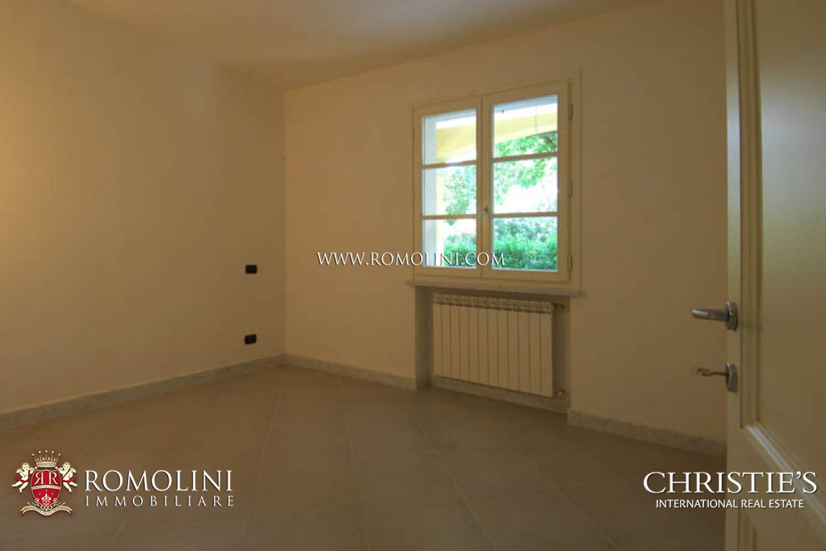 Additional photo for property listing at Tuscany - ELEGANT VILLA FOR SALE FORTE DEI MARMI TUSCANY Forte Dei Marmi, イタリア